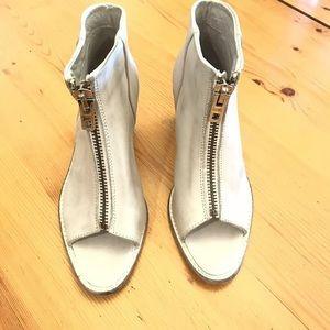 Diesel ivory leather Heels w/zipper sz 38 (7.5)